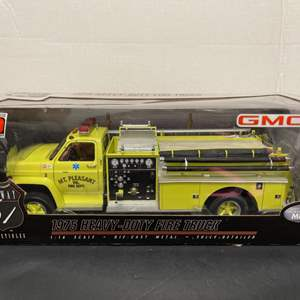 Lot# 197 -  HIGHWAY 61 * 1975 HEAVY-DUTY FIRE TRUCK * Diecast Metal * 1:16