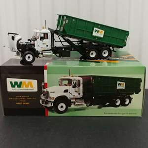 Lot# 204- First Gear #19-3441 Roll - Off Refuse Truck * Waste Management * 1:34