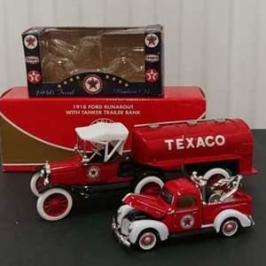 Lot #210 - 2 Qty. Ertl & Texaco #K-94541 '40 Ford Tow Truck *#21461p '18 Ford w/Tanker Trailer * 1:25