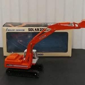 Lot # 212- Daewoo Solar 220 LC 3. Excavator* 1:40