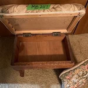 Lot# 31 - Antique foot stool