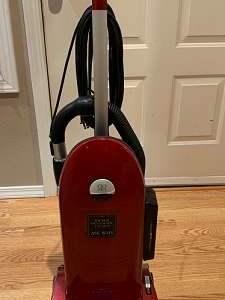 Lot# 33 - Vacuum