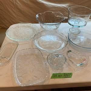 Lot# 50 - Assorted glassware