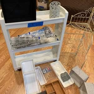 Lot# 65 - Rolling laundry cart
