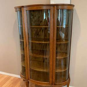 Lot# 69 - Antique Locking Oak Curved Glass Curio circa late 1800's * Purchased for $1000 at The Antique Loft Maple Velley