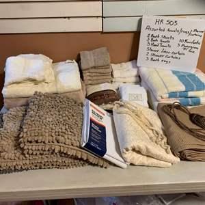 Lot# 80 - Bath linens
