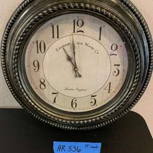 Lot# 112 - Vintage clock