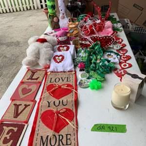 Lot# 136 - Valentine's and St. Patrick's