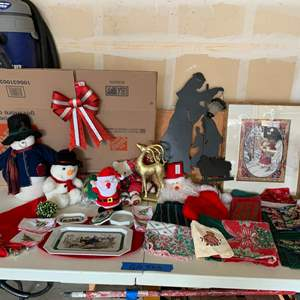 Lot# 151 - Christmas Collectibles