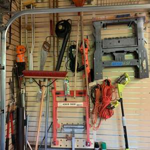 Lot# 153 - Sawhorses and more