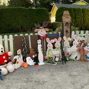 Lot# 158 - Ready for your yard displays