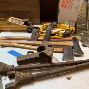 Lot# 174 - Auto and lumber necessities