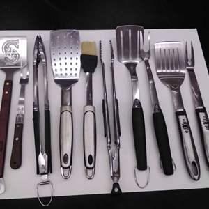 Lot #EL18 - Very Nice Lot of BBQ Tools