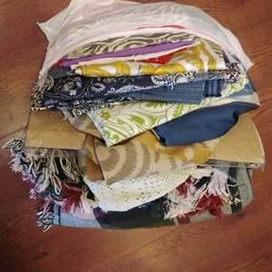 Lot#EL183 - Fabric! Lots of Fabric! & Linens