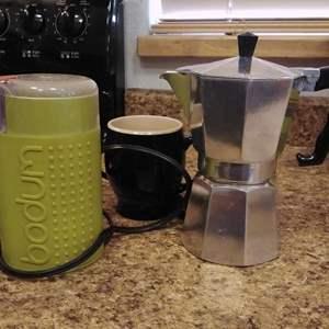 Lot #PM198 - Italian Espresso Pot and Bodum Coffee Grinder