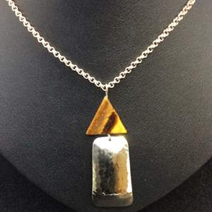 """Lot 15- Vintage Tiger Eye and Hammered Sterling Silver Pendant with 925 Sterling Silver Chain Made in Italy 18"""" 2 mm"""