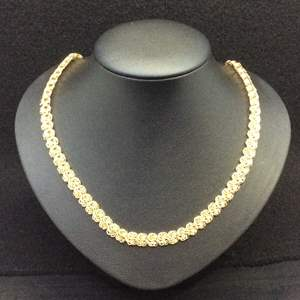 """Lot 33 - Vintage 18"""" 7mm Wide Yellow Link Necklace"""