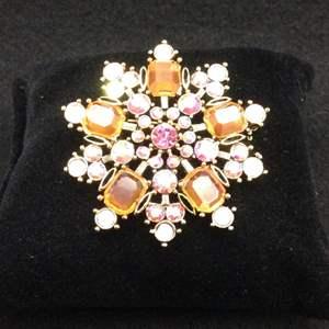 Lot 40 - Vintage Jeweled Brooch, pinks and peach tones, @ 50mm diameter