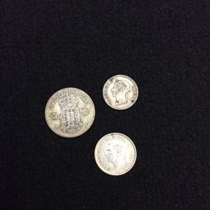 Lot 120 -  SILVER Foreign Coins 1889 Hong Kong, 1907 Swedish and 1945 Canadian