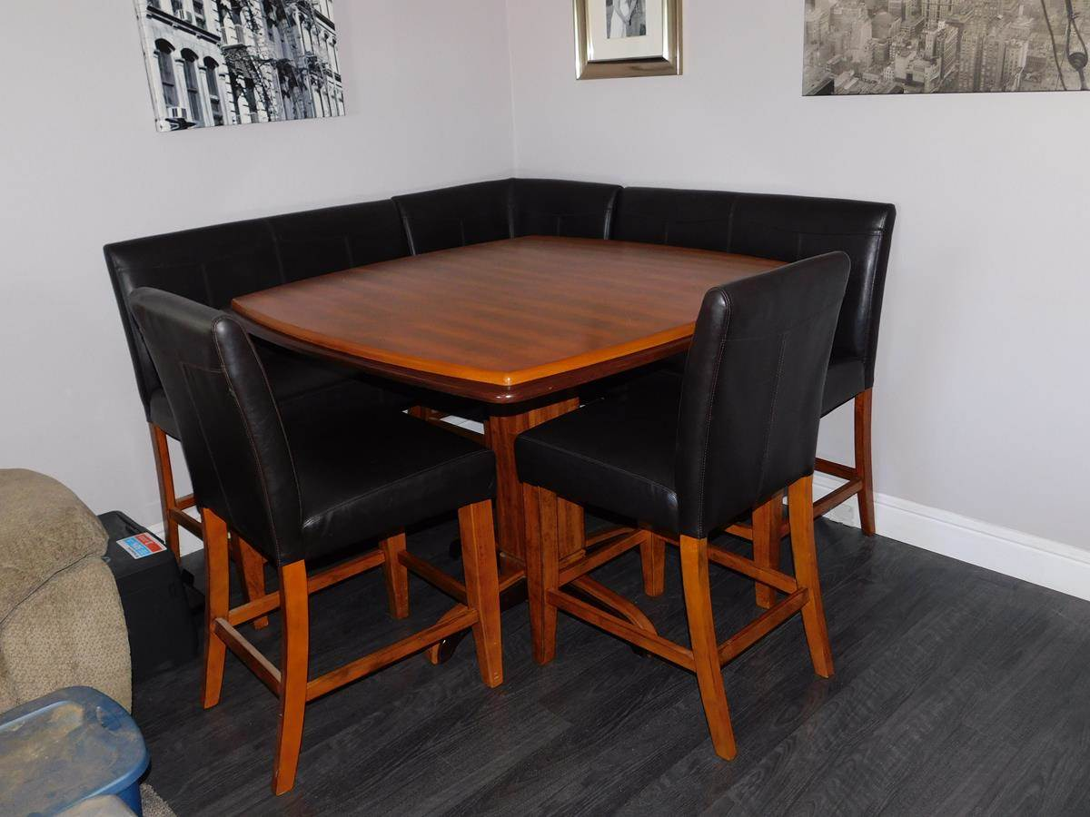 Lot 4 - Kitchen Nook Set - with Benches and Chairs - by Ashley