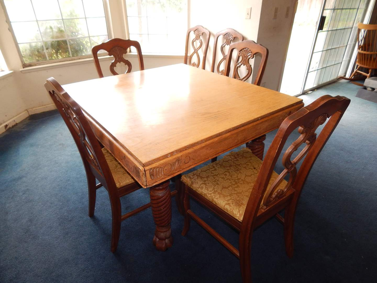 Lot 7 Antique Dining Room Table With Pull Out Leaves And 6 Chairs Auction By Sac Valley Auctions