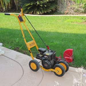 Auction Thumbnail for: Lot 38 - Lawn Edger - Good Running Condition