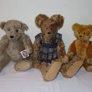 Auction Thumbnail for: Lot 58 - Teddy Bears - from 3 Different Makers