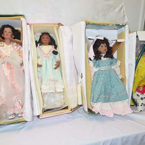 Auction Thumbnail for: Lot 23 - 4 Collector Dolls - All in Original Boxes