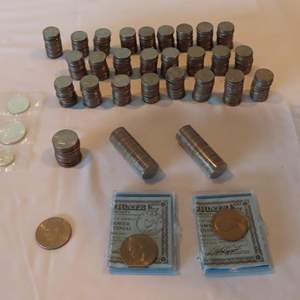 Auction Thumbnail for: Lot 146 - Large Collection of Bicentennial Coins - with Uncirculated