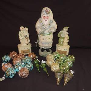 Auction Thumbnail for: Lot 18 - Katherine's Collection Santa, plus Trinket Boxes and Ornaments