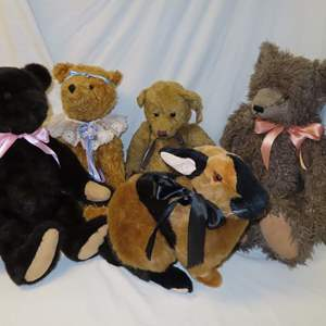 Auction Thumbnail for: Lot 40 - Rabbit and 4 Teddy Bears - 2 Hand Made