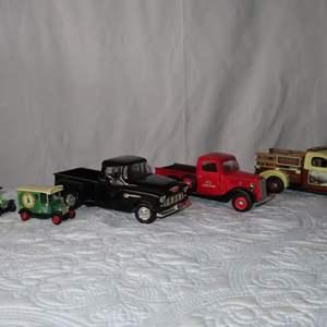 Auction Thumbnail for: Lot 7 - Die Cast Metal Trucks