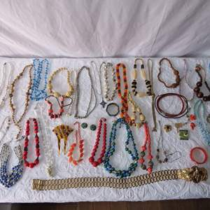 Auction Thumbnail for: Lot 17 - Costume Jewelry - Beads, Bracelets and More