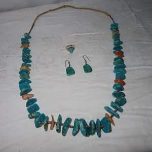 Auction Thumbnail for: Lot 62 - Santo Domingo Turquoise Wafer Necklace, Earrings and Ring