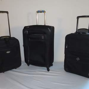 Auction Thumbnail for: Lot 25 - Luggage - 3 Pieces