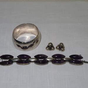 Auction Thumbnail for: Lot 72 - Amethyst Bracelet and Earrings, Plus Bracelet