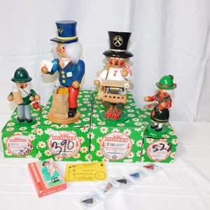 Auction Thumbnail for: Lot 39 - 4 Steinbach Wooden Smoker Dolls - in Original Boxes