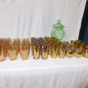 Auction Thumbnail for: Lot 81 - 6 Complete Sets of Mid Century 'Culver' Gold Leaf Glasses