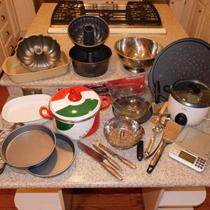 Auction Thumbnail for: Lot 37 - Cookware - Variety Lot