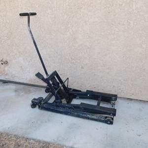 Auction Thumbnail for: Lot 63 - ATV Lift - 750lb