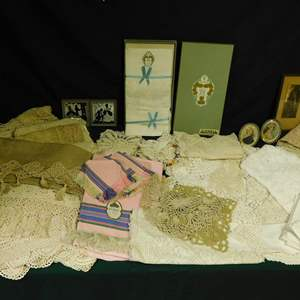 Auction Thumbnail for: Lot 53 - Vintage and Antique Linens