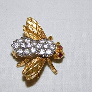 Auction Thumbnail for: Lot 48 - 18K Gold and Diamond Bee Pin - by Tiffany & Co.