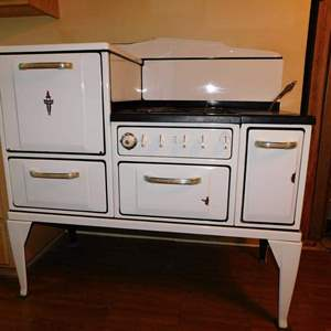Auction Thumbnail for: Lot 56 – 1920's Wedgewood Gas & Wood Stove