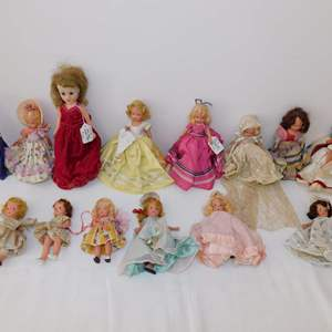 Auction Thumbnail for: Lot 87 - Storybook Dolls & More
