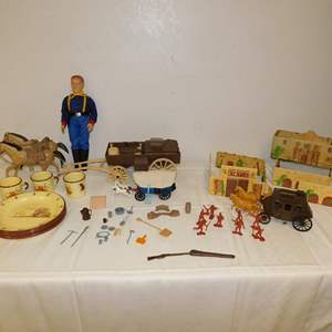 Auction Thumbnail for: Lot 73 - Vintage Cowboy Lot - with John Wayne Cavalry Doll