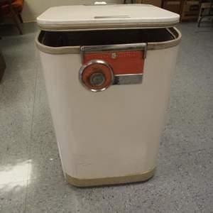 Auction Thumbnail for: Lot 28 - Vintage Dishwasher