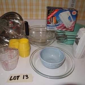 Auction Thumbnail for: Lot 13 - Kitchen Lot