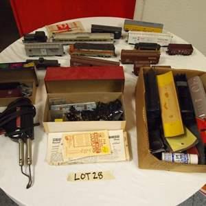 Auction Thumbnail for: Lot 28 - Model Railroader's Lot