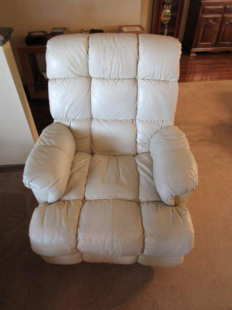 Lot # 28 - Leather Recliner (main image)