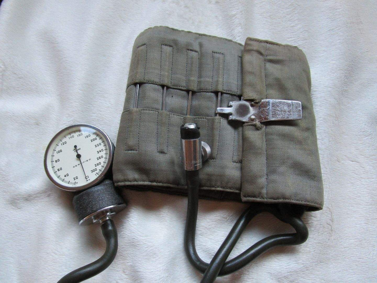 Lot # 66 - WW Medical items and more (main image)